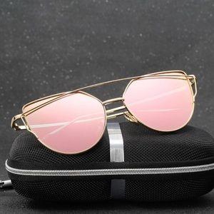 Accessories - Mirror sunnies - Gold Frames